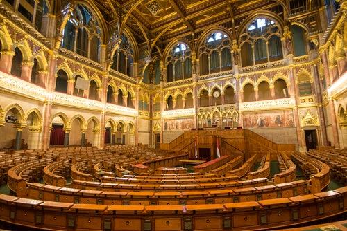 Sala del Consejo en el Parlametno de Budapest