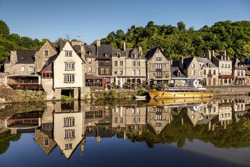 Vista deDinant, uno de los pueblos más bonitos de Francia