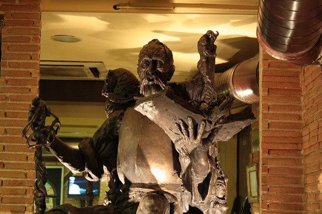 Interior del bar Maomonides en Alcalá de Henares