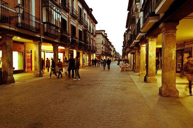 Calle Mayor de Alcalá deHenares