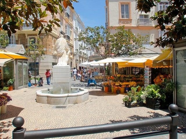 Plaza de las Flores de Cádiz capital