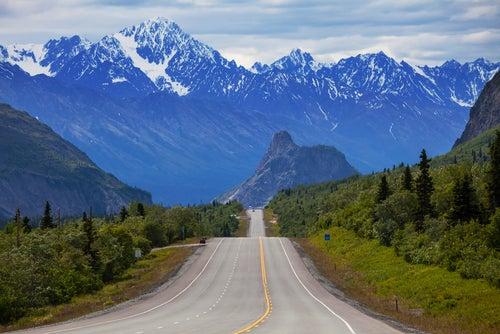 Carretera de Alaska para hacer viajes en autocaravana