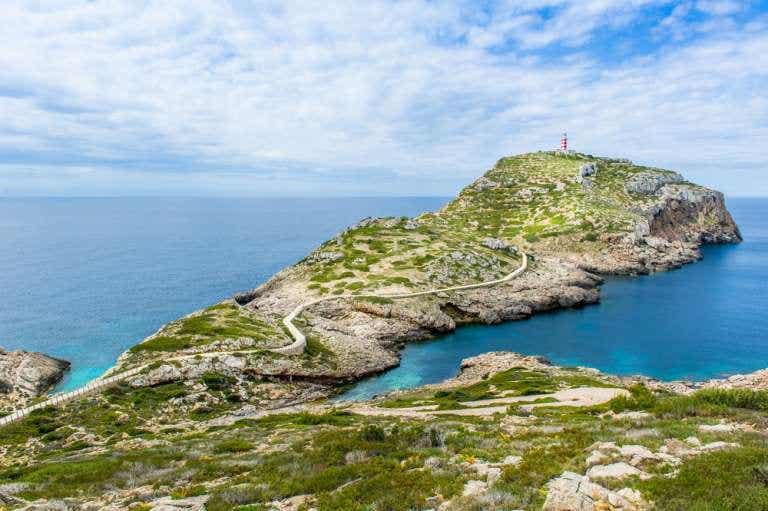La isla de Cabrera, un pequeño paraíso mediterráneo