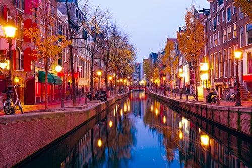 El Barrio Rojo de Ámsterdam, un lugar sorprendente