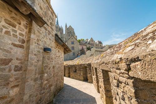 Calle del espectacular Mont Saint Michel