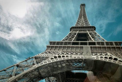 Torre Eiffel vista desde la base