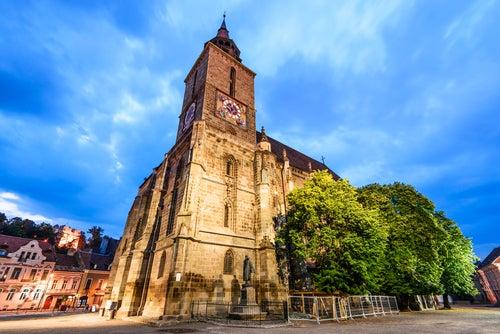 Iglesia Negra de Brasov en Transilvania