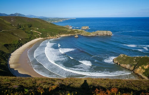 Torimbia, una de las mejores playas nudistas de España