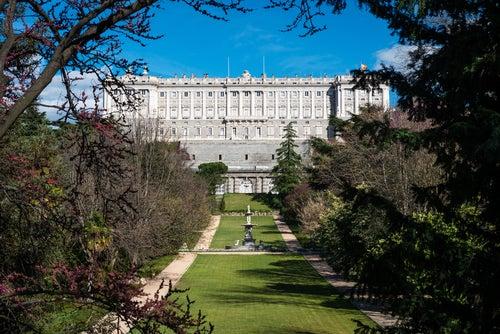 Palacio Real visto desde los Jardines del Campo del Moro