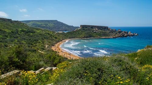 Golden Bay una de las grandes playas de Malta