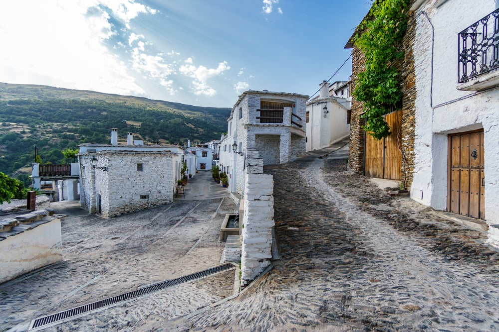 Calle de Capileira, uno de los pueblos más bonitos de la Alpujarra