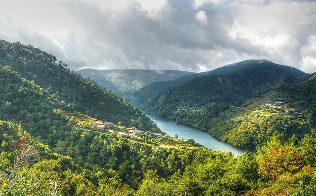 Recorremos la Ribeira Sacra, uno de los tesoros de Galicia