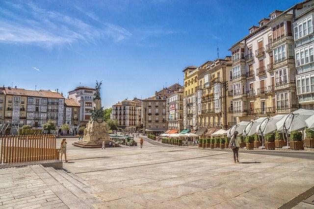 Plaza de la Virgen Blanca, lugar que ver en Vitoria