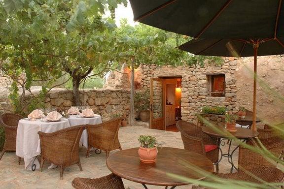 Es Cucons uno de los hoteles románticos de España