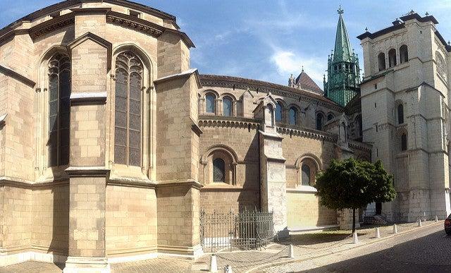 Cataedral de San Pedro, uno de los lugares que ver en Ginebra