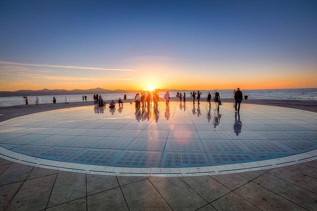 Saludos al sol de Zadar, uno deloslugares que hay que ver en Croacia