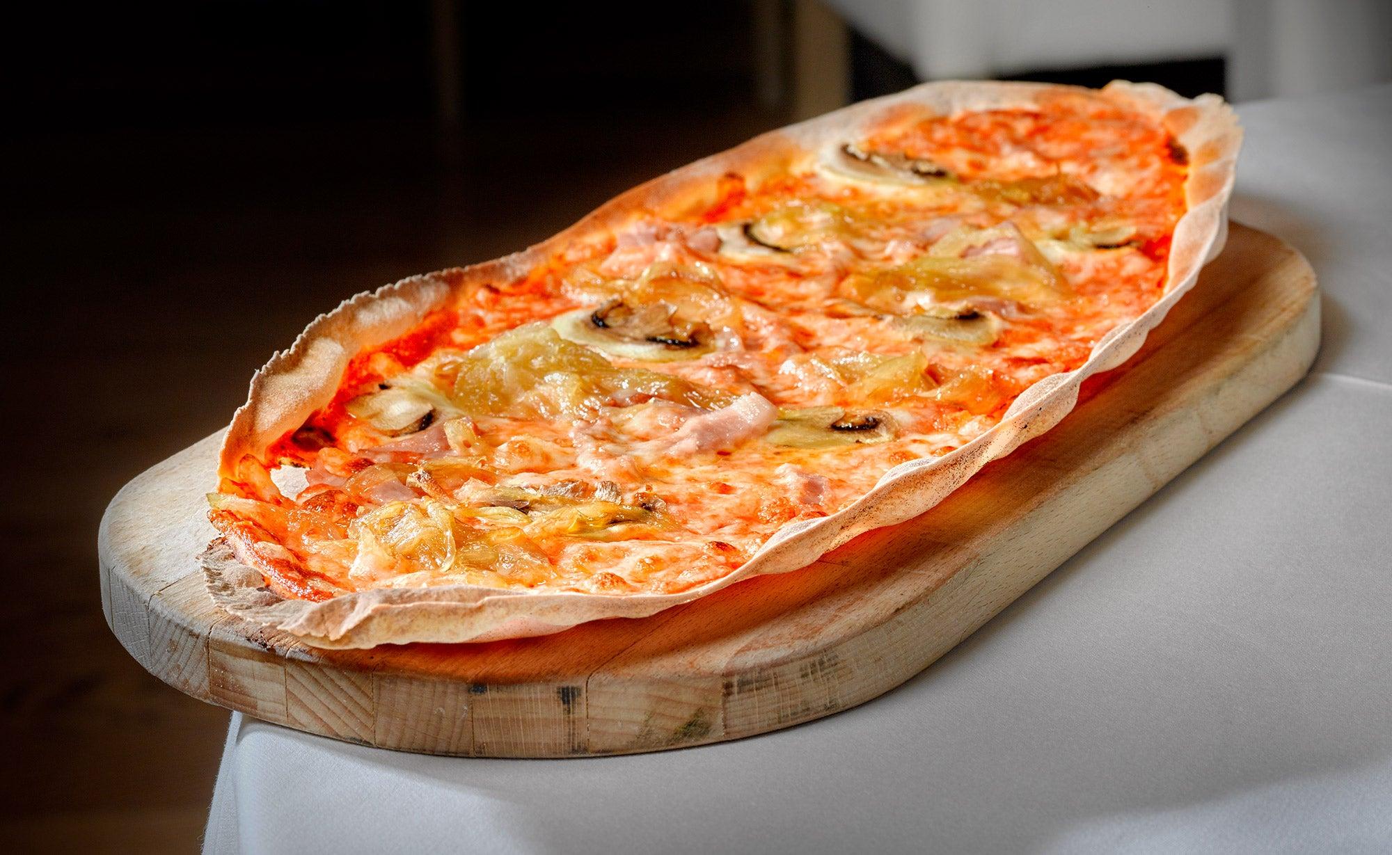 Pizza de Don Lisander, uno de los mejores restaurantes italianos en Madrid