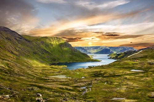Honningsvag parada de los cruceros por los fiordos noruegos