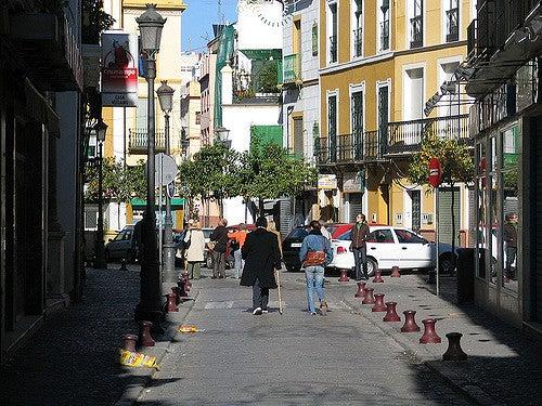 Recorremos la emblemática calle Feria de Sevilla