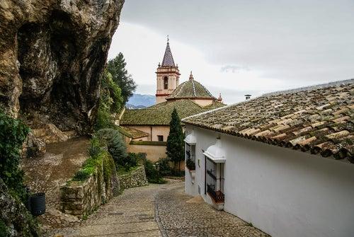 Iglesia de Santa María de la Mesa en Zahara de la Sierra