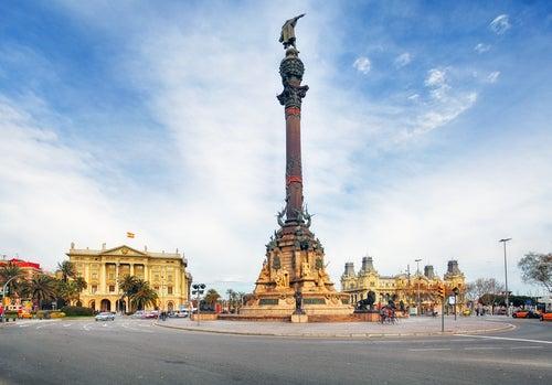 Monumento a Colón en las Ramblas de Barcelona