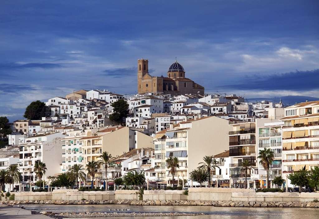 La mejor forma de disfrutar de Altea, a orillas del Mediterráneo