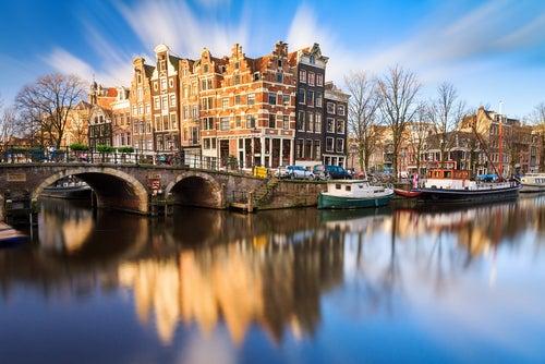 Tiempo en Ámsterda, canales en otoño