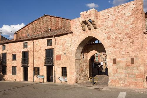 Arco de la Villa de Ayllón