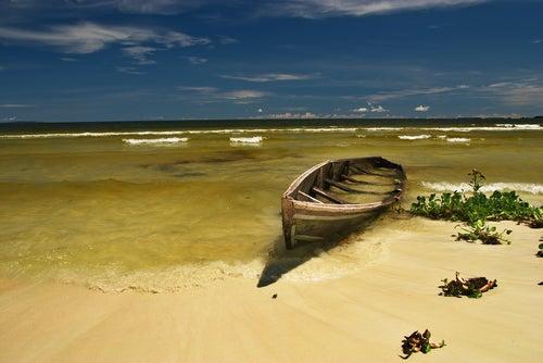 Barca en el lago Victoria