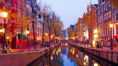 Barrio Rojo, lugar que ver en un viaje a Ámsterdam