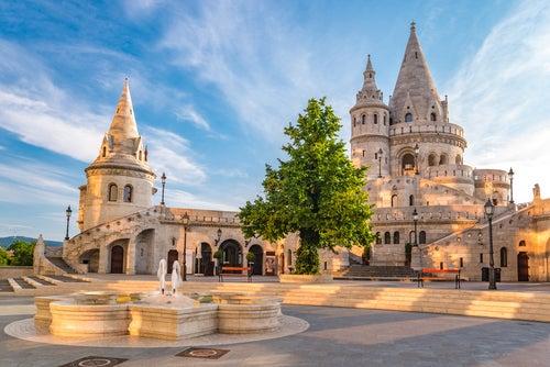 Bastión de los Pescadores, uno de loslugares que ver en Budapest