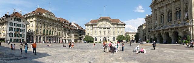Bundesplatz en Berna