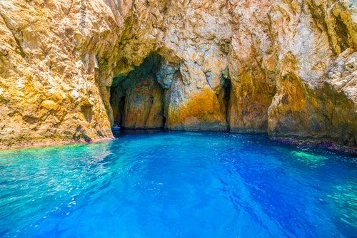 Cueva Azul en las islas griegas