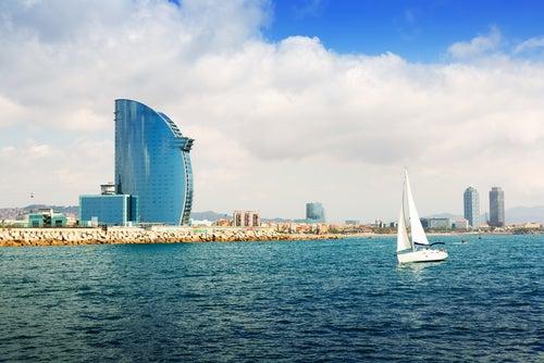 W Barcelona, lujo en primera línea de playa