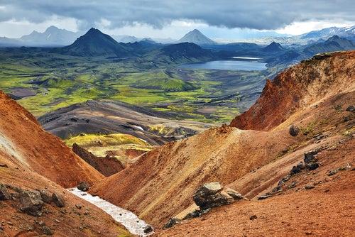 Paisaje deIslandia, país para viajeros aventureros