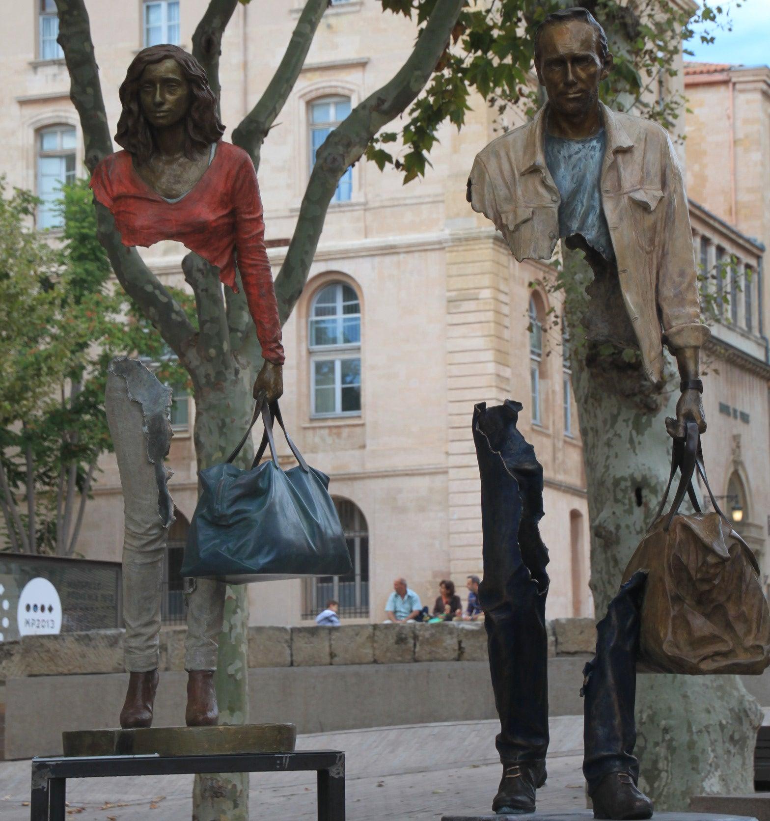 Les Voyageurs en Marsella, una de las esculturas más curiosas de Europa