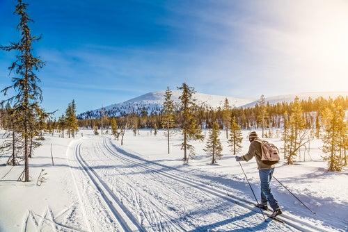 Paisaje nevado de Finlandia