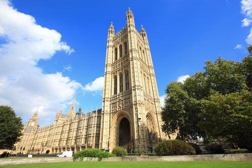 Palacio deWestminster, uno de los lugares que ver en Londres