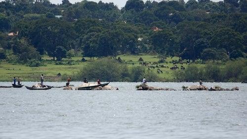 Pescadores en el lago Victoria