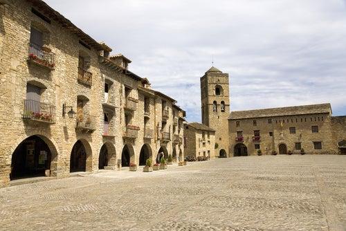Aínsa, uno de los pueblos de Huesca más bonitos