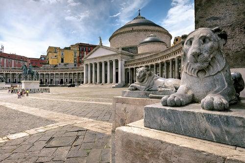 Plaza del Plebiscito, uno de loslugares que hay que ver en Nápoles