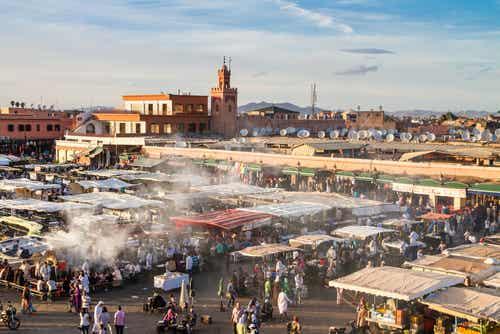 Yamaa el Fna, la plaza más grande de Marrakech
