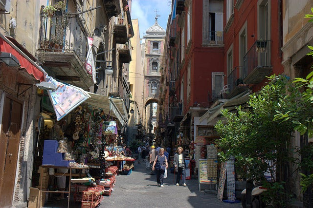 Spaccanapoli en Nápoles