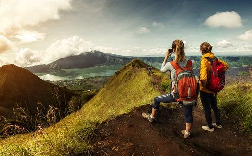 Viajeras aventureras en la montaña