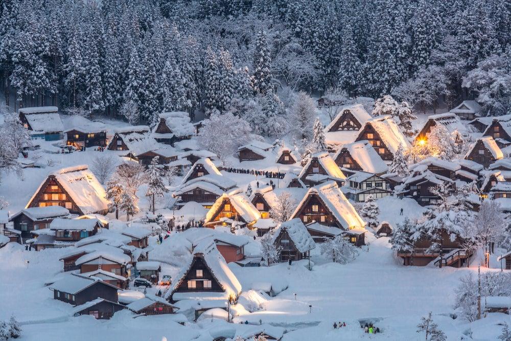 Estampas invernales: Shirakawa-go en Japón
