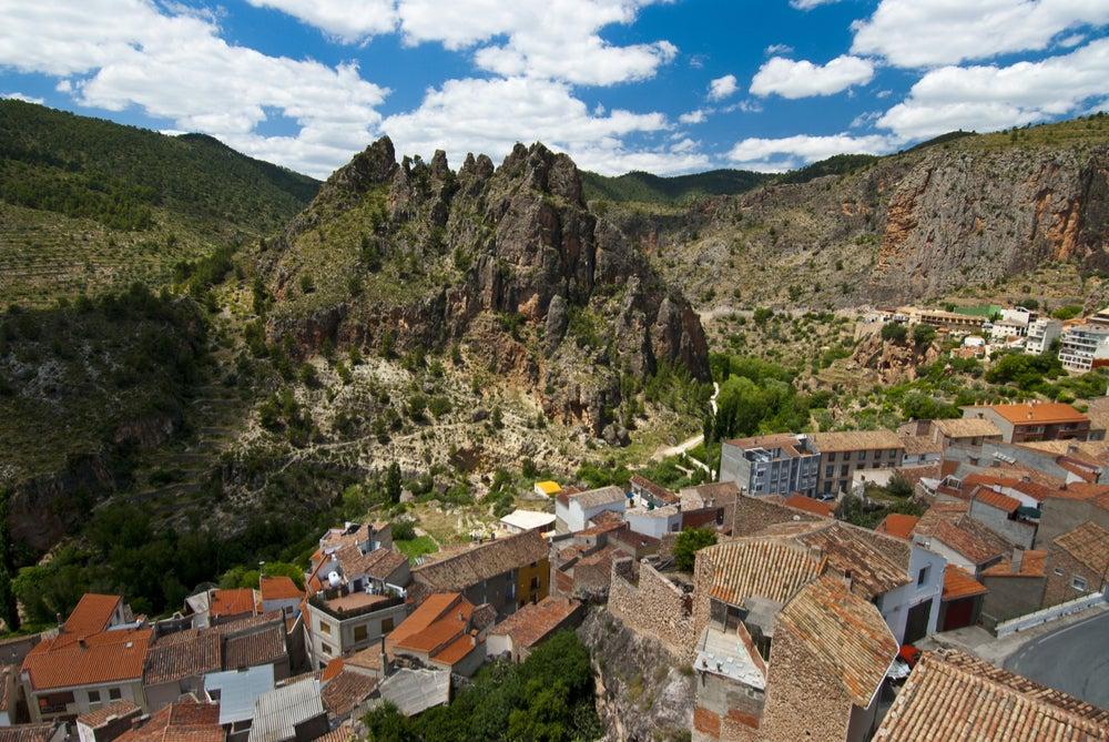 Vista de Ayna en Albacete, uno de los lugares de cine en España