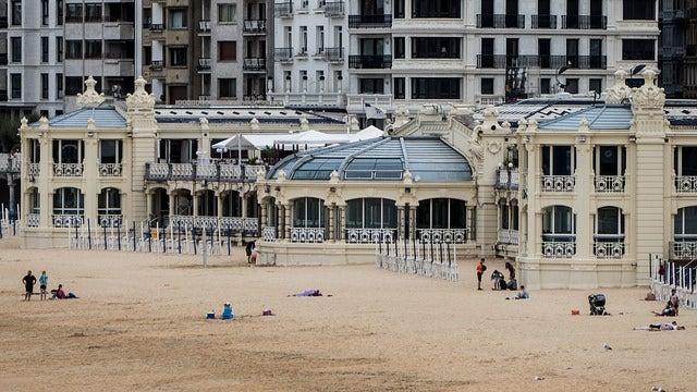 Balneario La Perla en San Sebastián