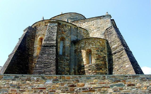 Basílica de San Martiño en Foz , uno de los pueblos de Lugo