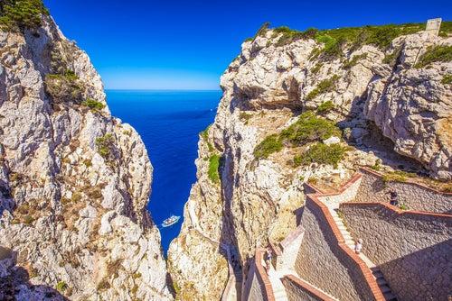 Capo Caccia, una de las razones para hacer turismo en Cerdeña