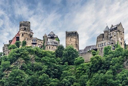 Castillos del Rhin, Schonburg